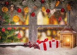 Świąteczna, Kompozycja, Okno, Lampion, Prezenty, Śnieg, Gałązki, Boże Narodzenie